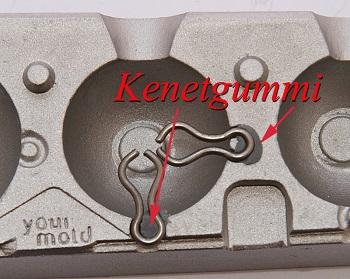 Name:  Ösen mit Knetgummi einkleben.jpg Hits: 194 Größe:  74,9 KB